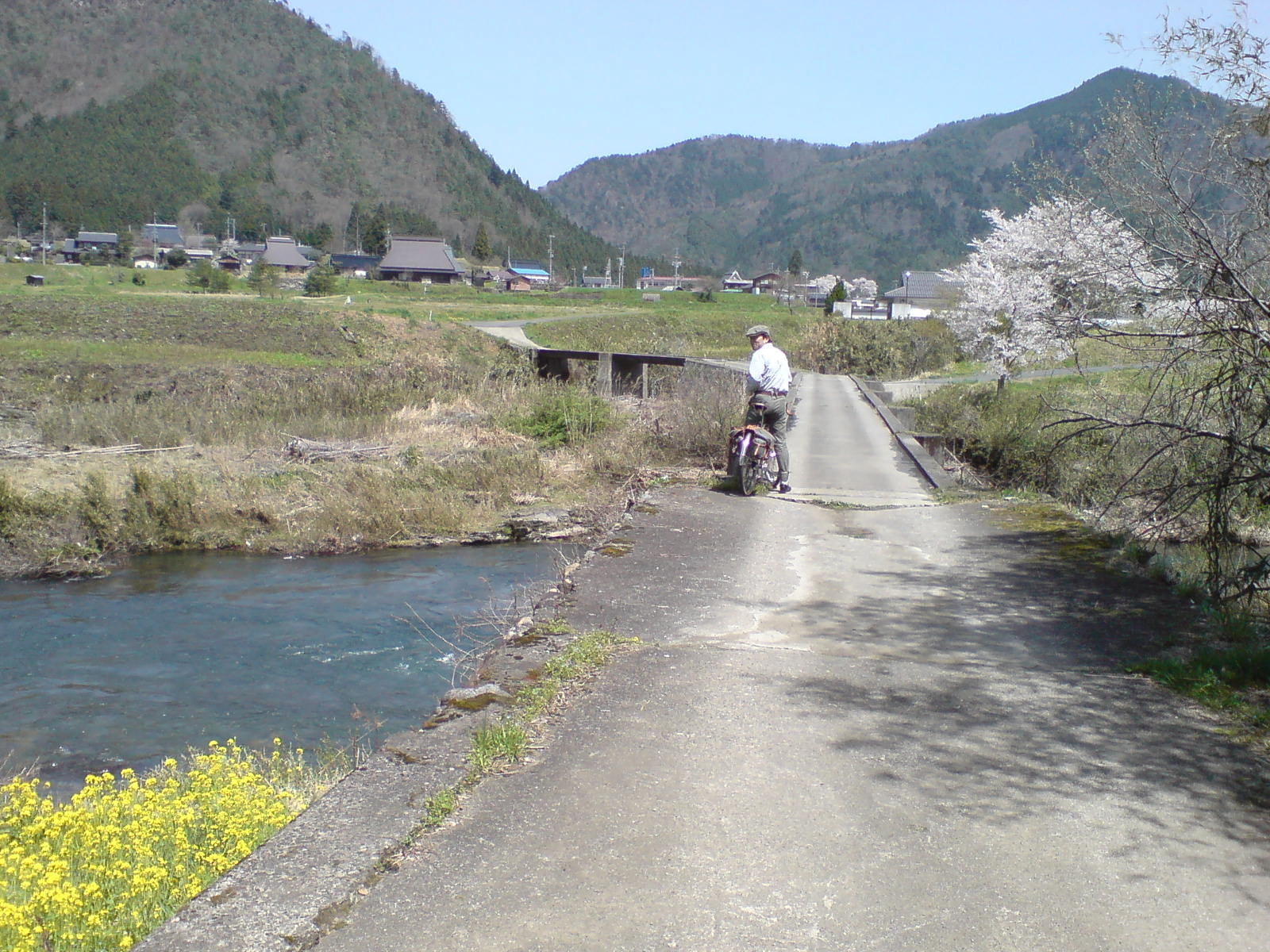 日本の旅:橋の上